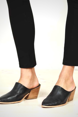 Cleo Heel in Black
