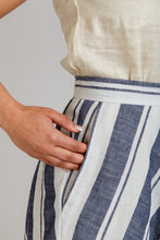 Load image into Gallery viewer, Wattle Skirt - Megan Nielsen