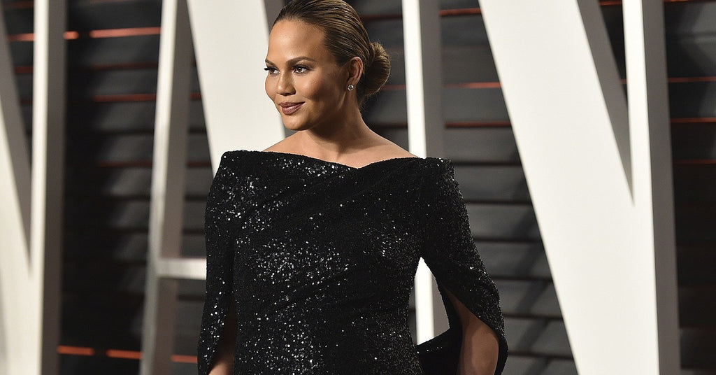 Chrissy Teigen Expecting at the Oscars | TILDEN