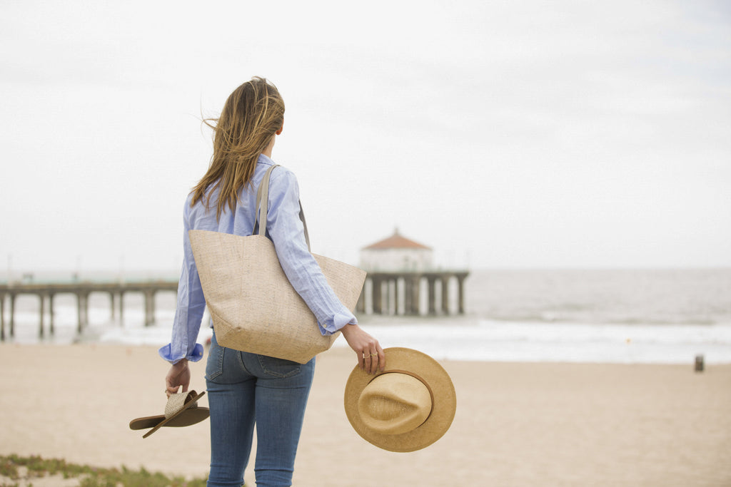 August - The Handbag Every Mom Needs Now | TILDEN