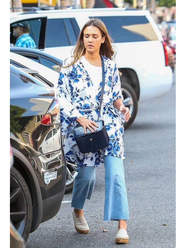 Jessica Alba Wears the Yumi Kim Dream Lover Floral Kimono Robe - Watercolor Bouquet | TILDEN