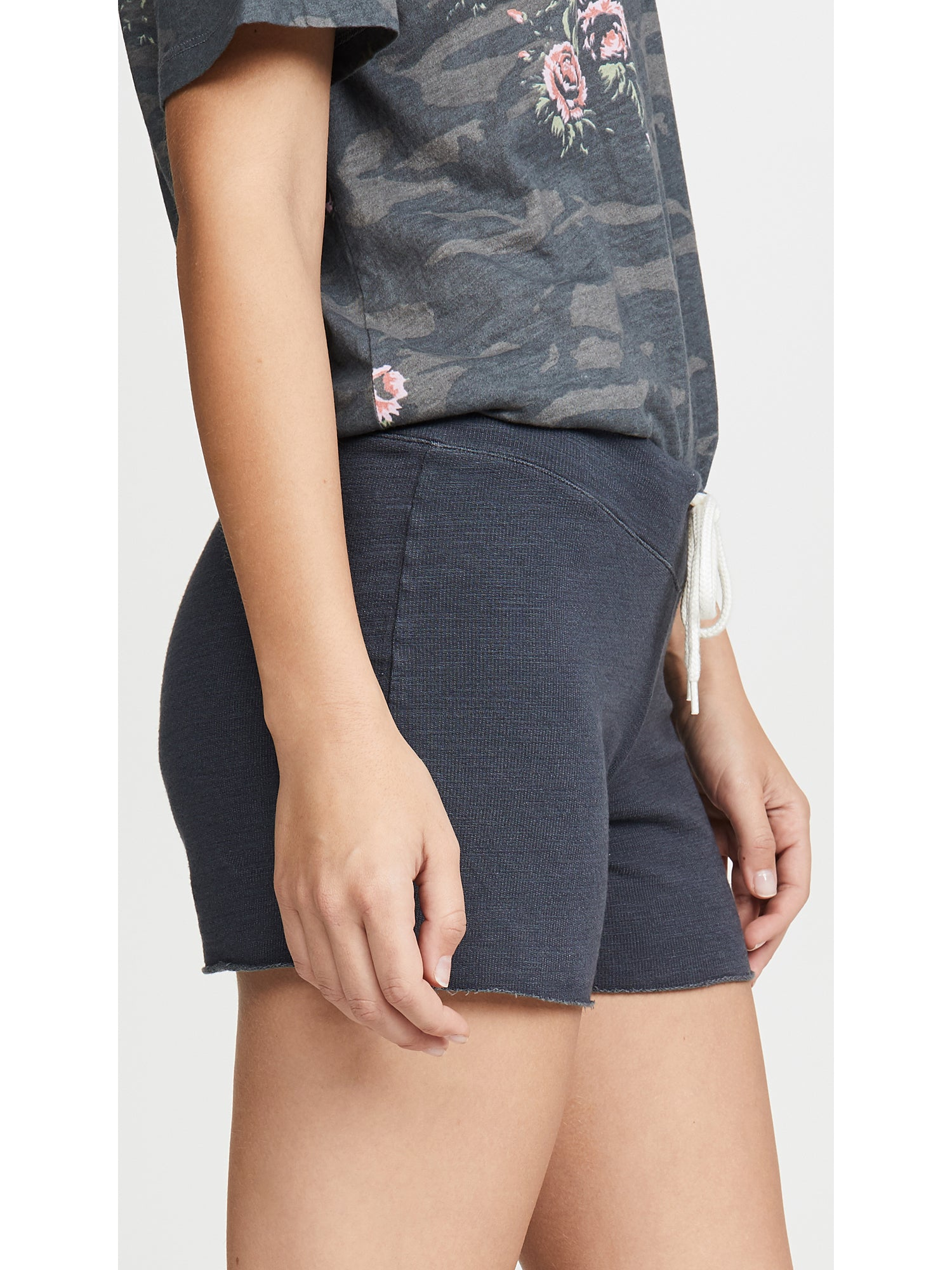 Monrow Supersoft Vintage French Terry Shorts - Black | TILDEN