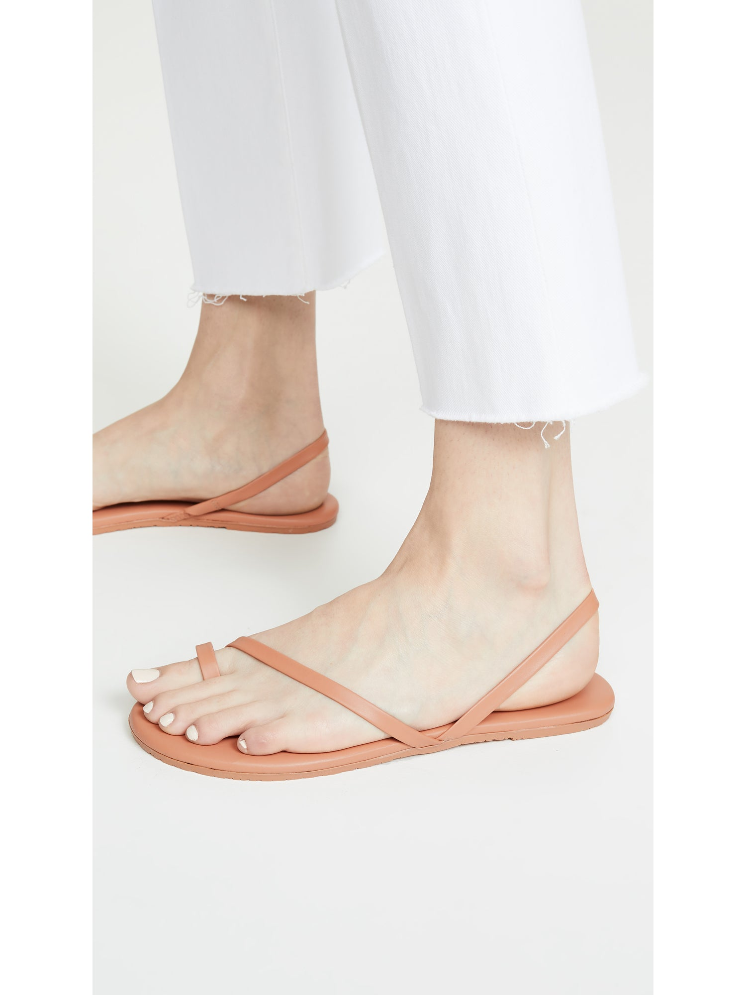 TKEES LC Tan Leather Toe Ring Sandals - Sienna Dope | TILDEN