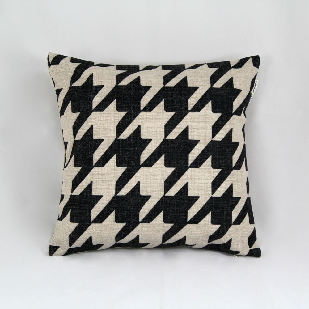 HOUNDS TOOTH CUSHION