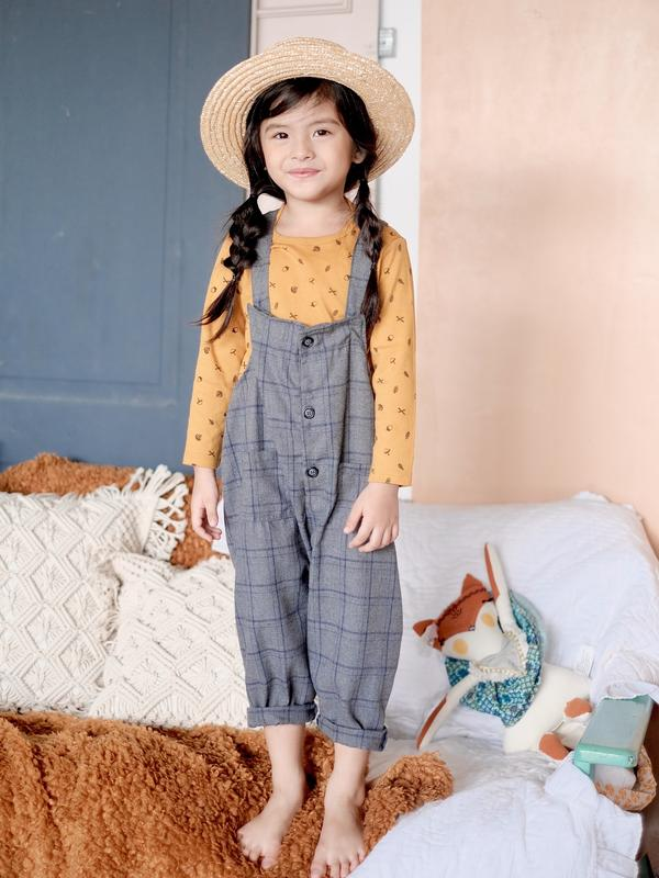 Girl wearing Laila & Lyra - Penny Overalls (Gray)