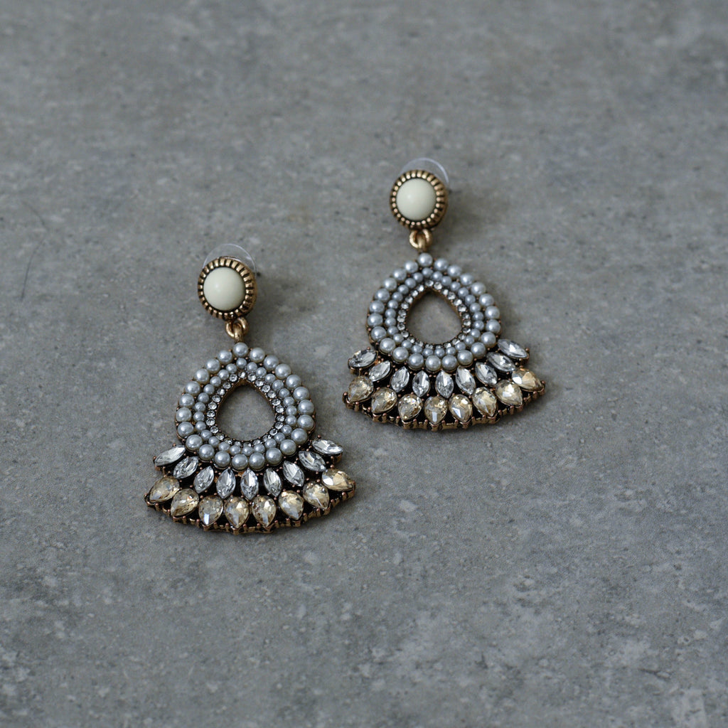 Statement Earring with of crystals and pearls