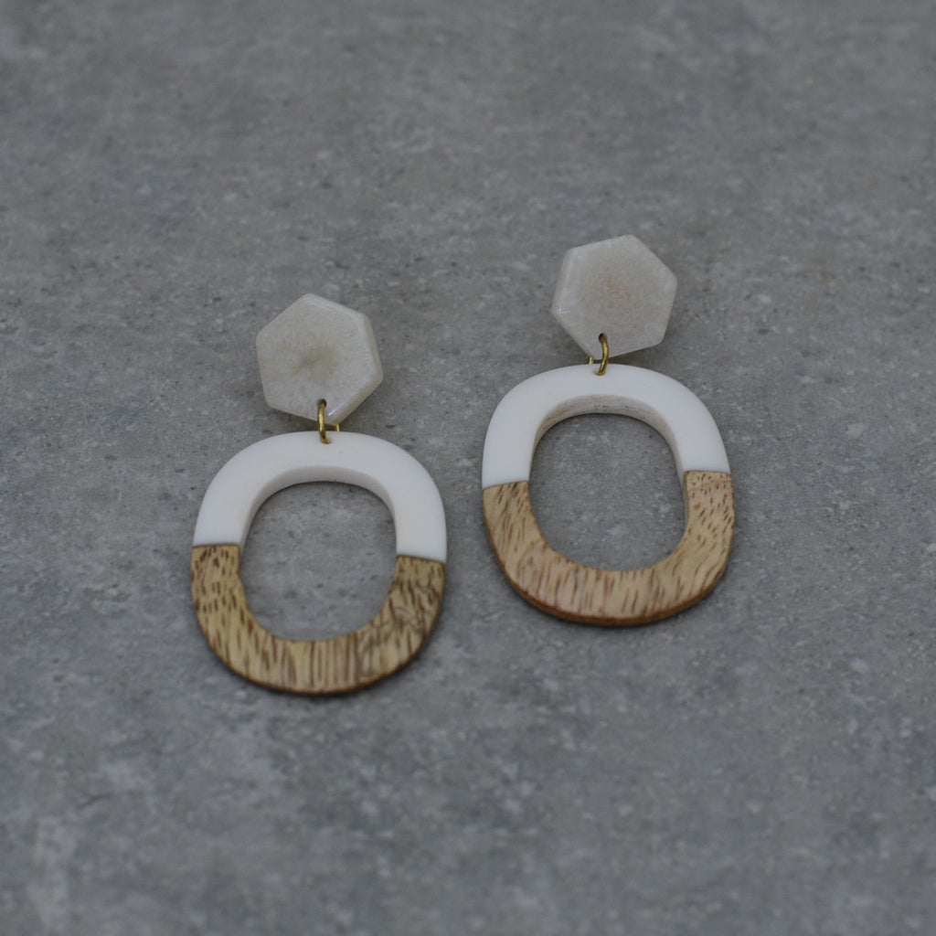 White and Natural Wood Earring