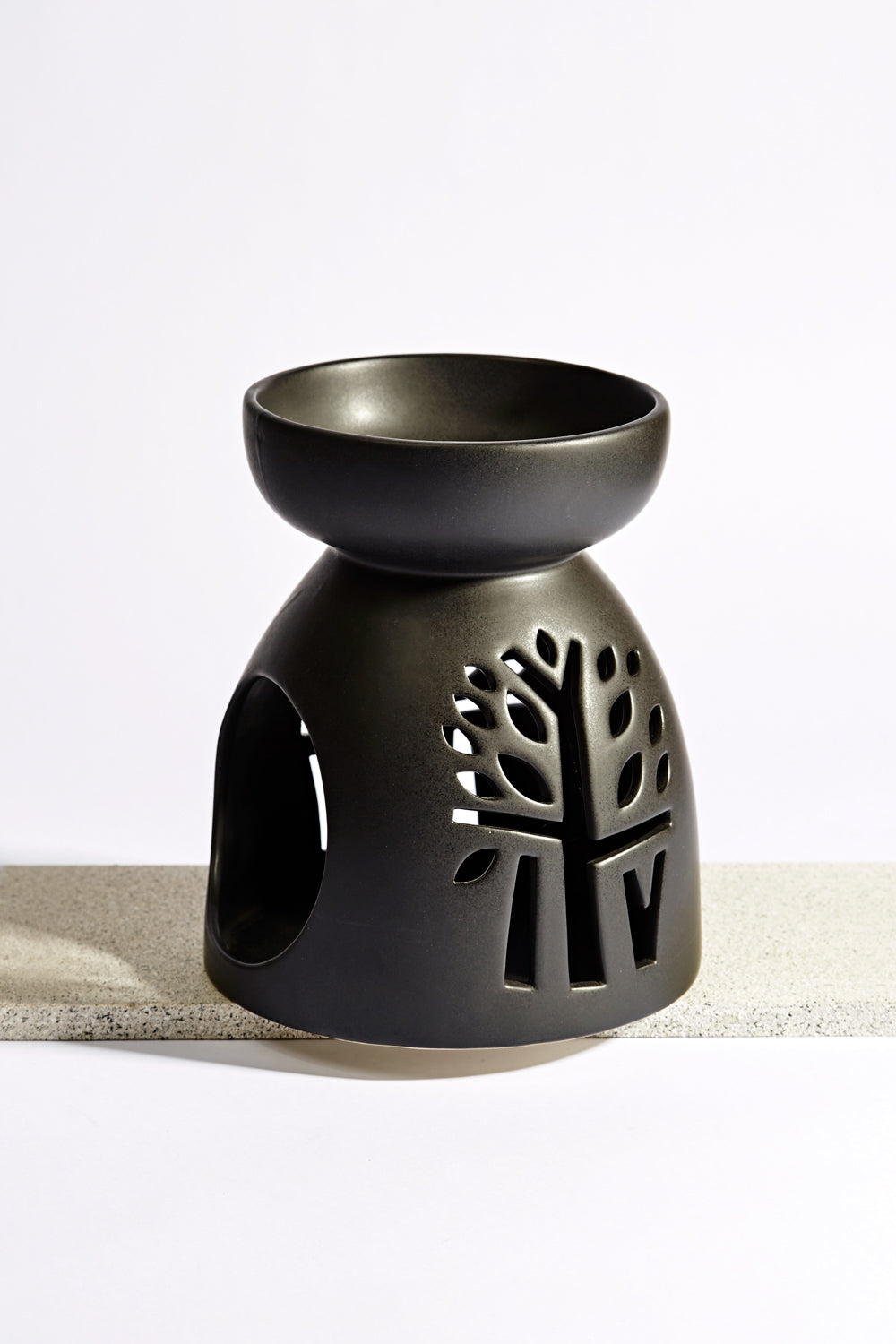 Ceramic Oil Burner ~ Black oil burner large banyan tree essentials