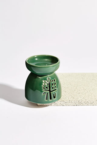 Leaf Cut Candle Holder in Classic Green