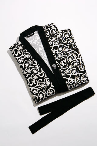 Seaweed-Inspired Drawstring Pouch - Black