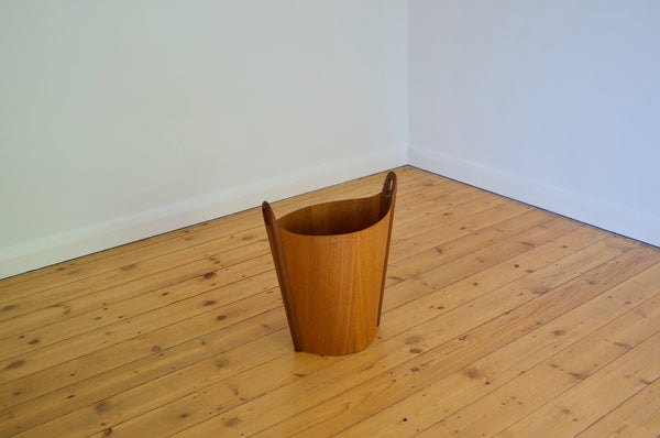 Norwegian waste basket by Einar Barnes