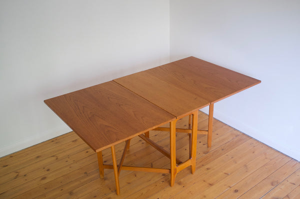 Bendt Winge gate leg dining table