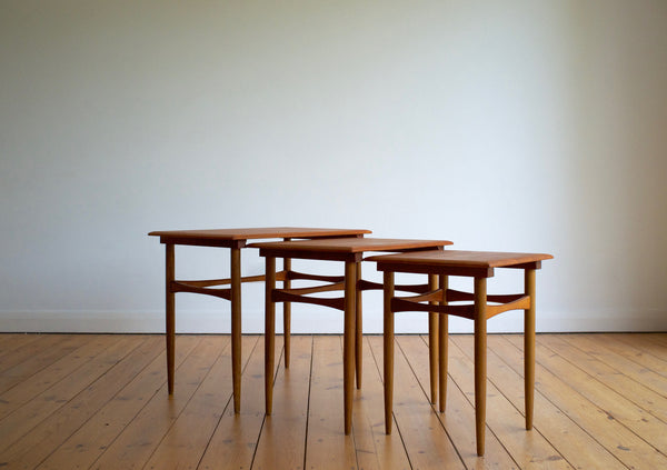 Danish nest of tables in teak and oak