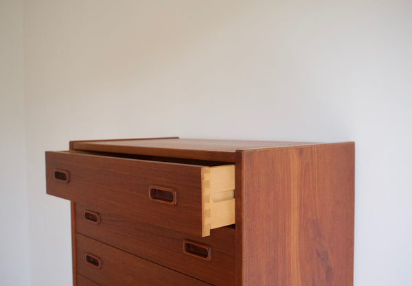 Danish dresser drawer chest