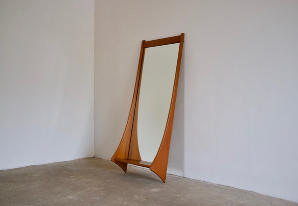 Danish entry mirror