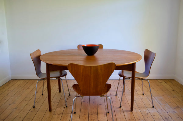 Svend Aage Madsen dining table