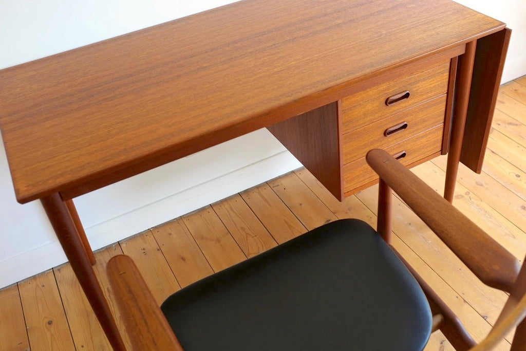 Arne Vodder extending teak desk