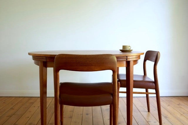 Niels Moller leather dining chairs (6)