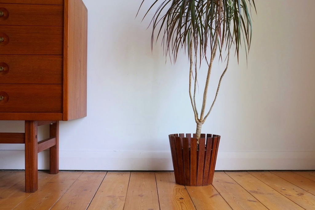 Gladlyn Ware slatted teak plant holder