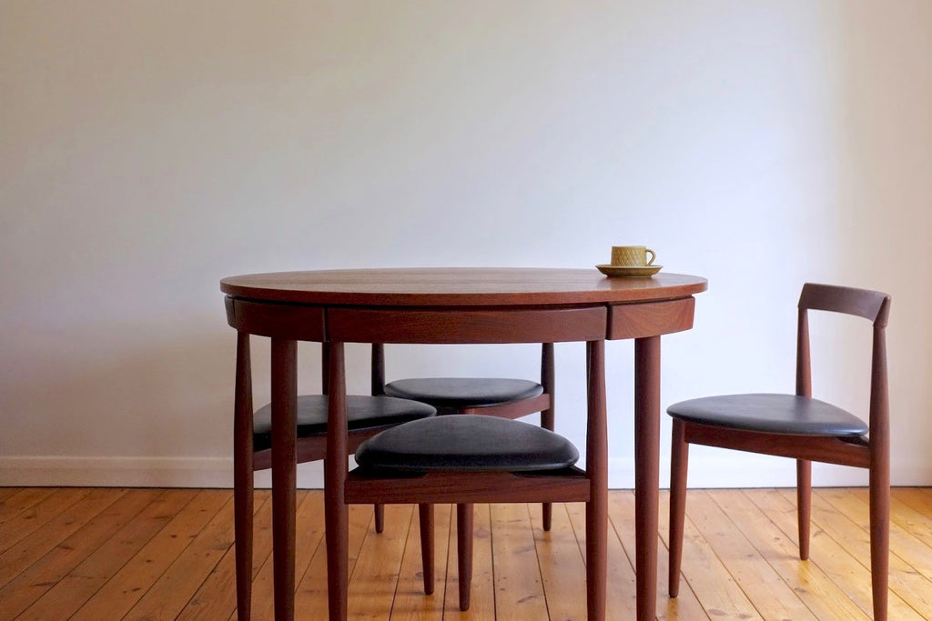 Hans Olsen Roundette dining table and chair set