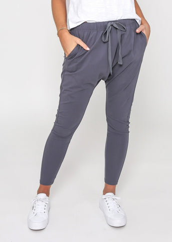 Drew Slouch Pants Dark Grey