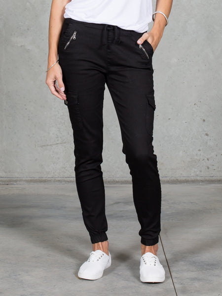 Jenni Joggers Black *LONGER LENGTH*