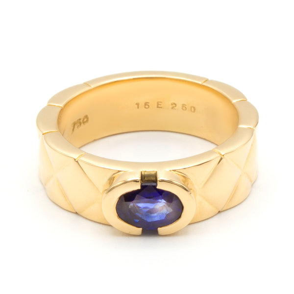 Chanel Matelassé yellow gold ring