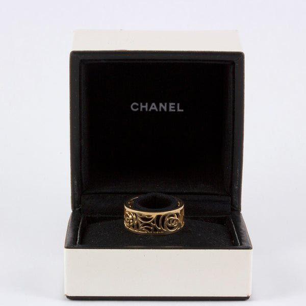Chanel Camelia 18k ring