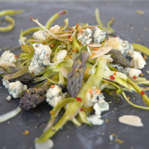 Asparagus with blue cheese & almonds