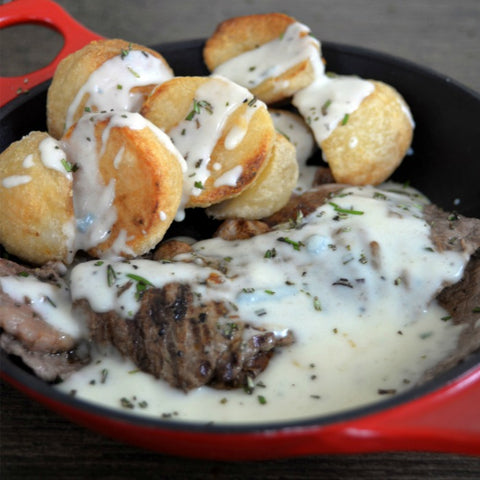 Minute steaks with blue cheese