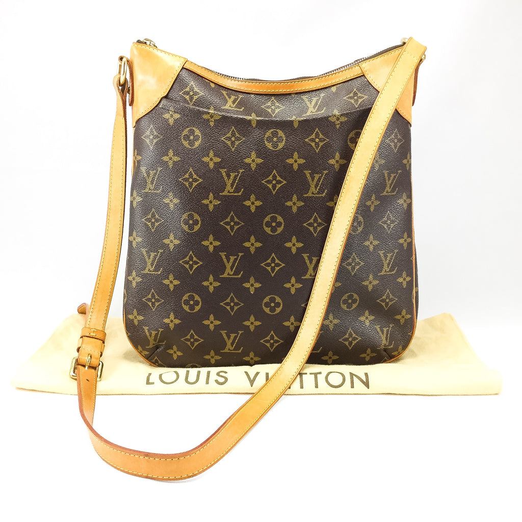 Louis Vuitton cross body with dust bag