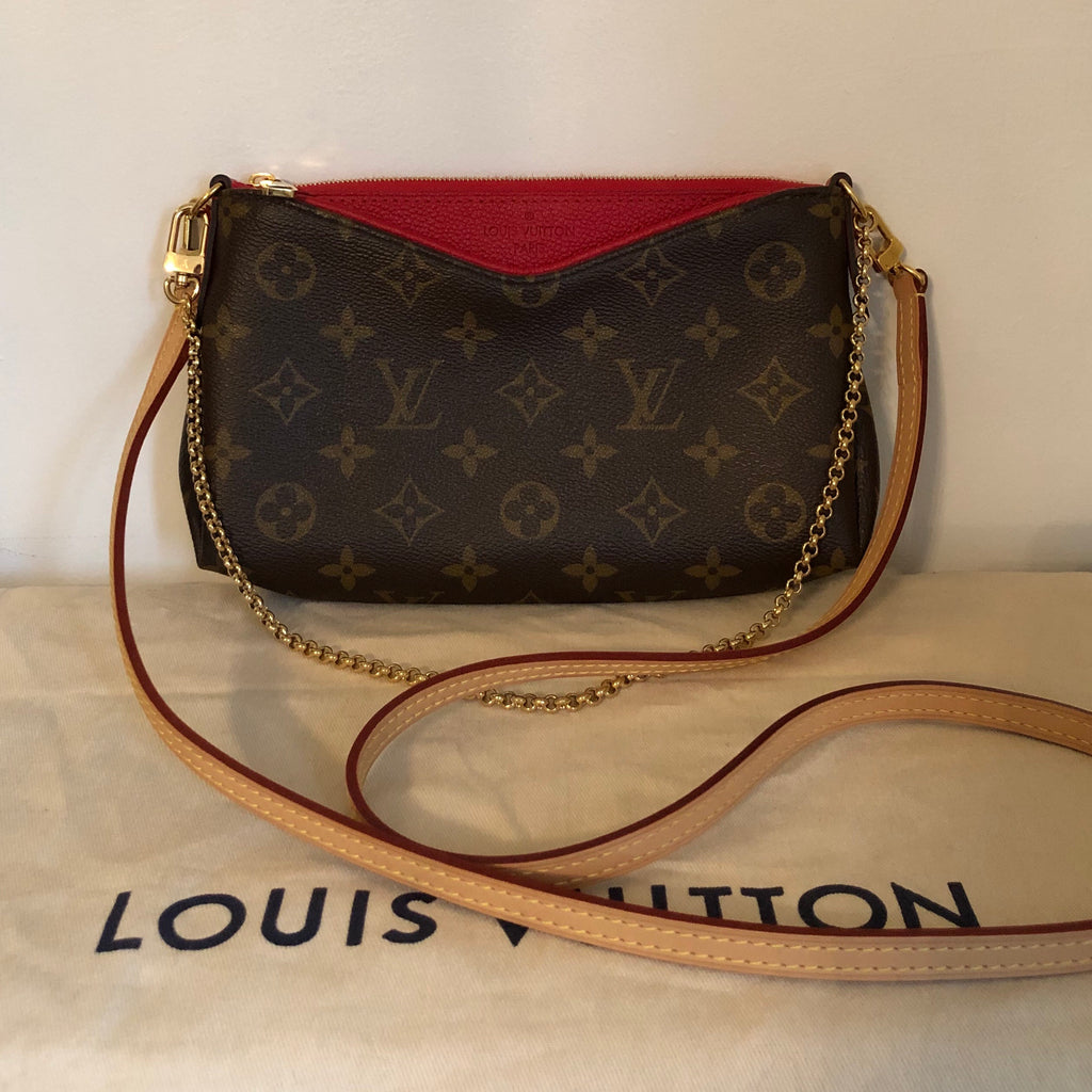 Louis vuitton Pallas Clutch Front View