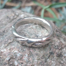 Load image into Gallery viewer, Fine silver ring