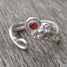 Load image into Gallery viewer, Silver handmade ring