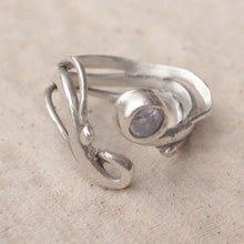 Load image into Gallery viewer, Handmade silver ring
