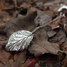 Load image into Gallery viewer, Leaf necklace