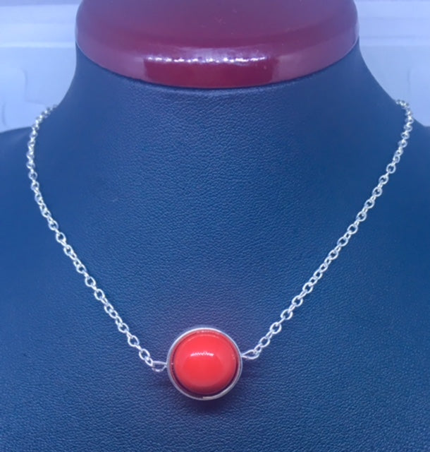 "COLLIER ""RED MOON"""