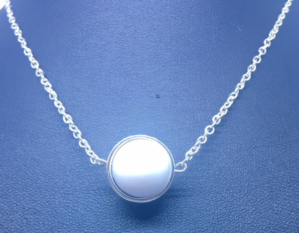 "COLLIER ""WHITE MOON"""