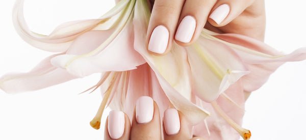 CHOOSE NON-TOXIC POLISH FOR HEALTHY NAILS