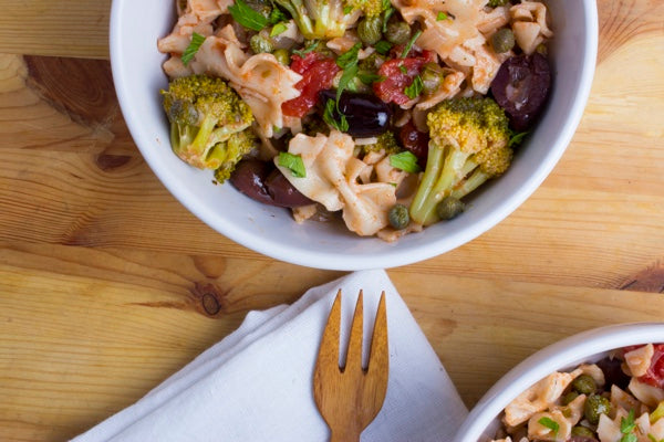 PASTA WITH BROCCOLI, OLIVES & CAPERS
