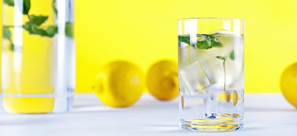 PURIFICATION INSIDE & OUT: 8 BENEFITS OF LEMON WATER
