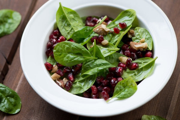 SPINACH SALAD WITH APPLE, POMEGRANATE AND WALNUTS