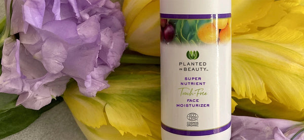 TOP QUESTIONS ABOUT OUR SUPER NUTRIENT TOUCH-FREE FACE MOISTURIZER