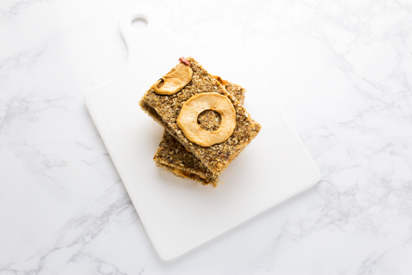 NO BAKE APPLE OAT BARS