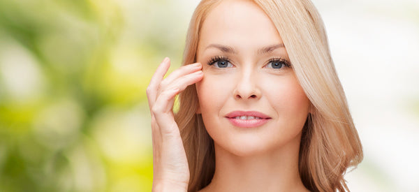 MAINTAINING HEALTHY EYES THROUGH A SKIN CARE REGIME
