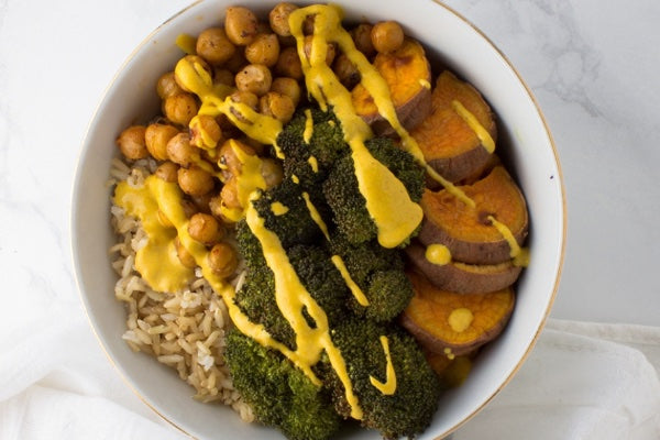 MACROBIOTIC BOWL WITH TURMERIC TAHINI DRESSING