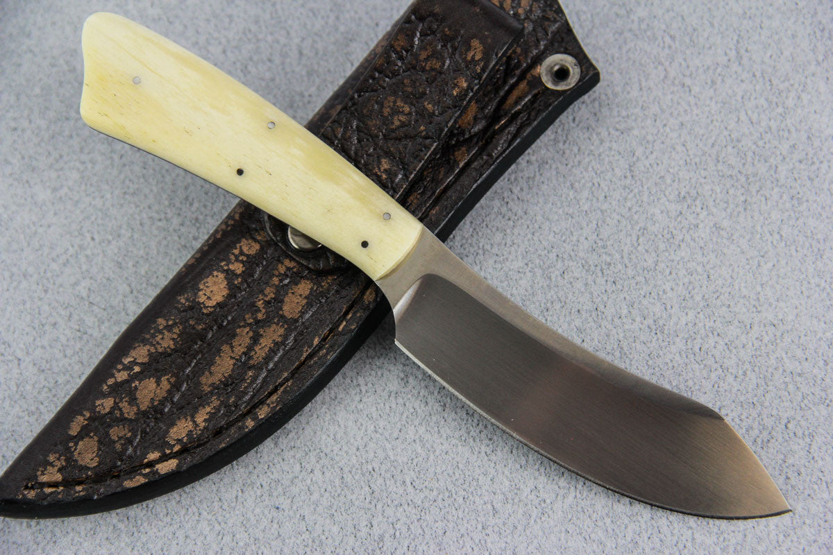 Arno Bernard - Wasp Model w/ Giraffe Bone - 4502S