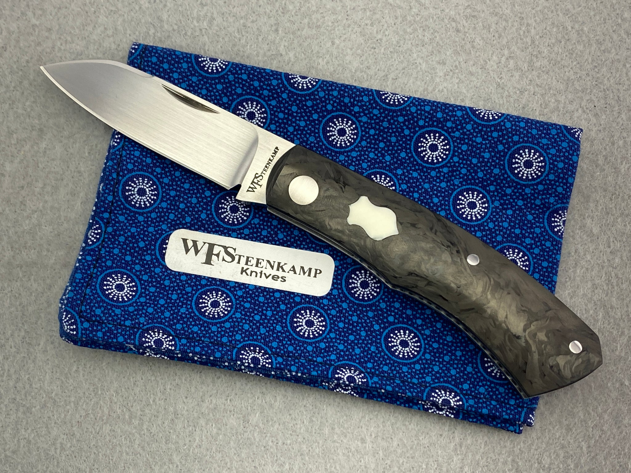 Willem Steenkamp Dino Model Slipjoint Swirl Carbon Fiber
