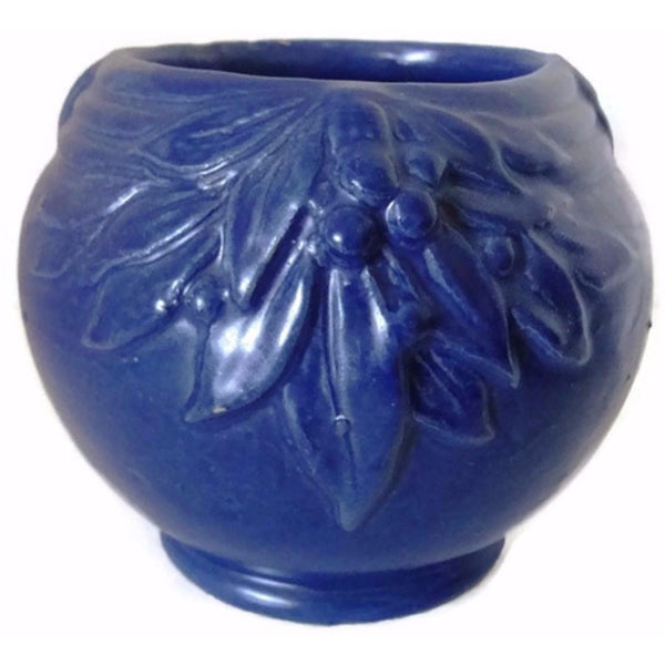 "Vintage McCoy  ""Leaves and Berries"" vase, cobalt blue (c 1930s) - Selective Salvage"