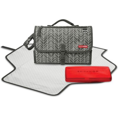 Skip Hop Pronto! Changing Station in Grey Feather with wipes case